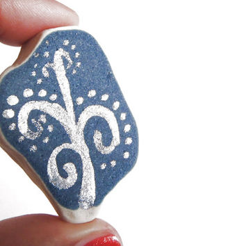handpainted blue and white sea pottery italian beach pottery sea hostess gift christmas paperweight silver glitter ceramic lasoffittadiste