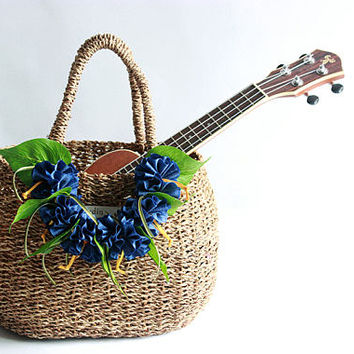 wicker basket ( blue ribbon lei included)/Flower basket /Straw Bag/ Summer Bag/Straw Beach Bag/shopping bag/French Basket/picnic basket /