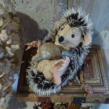 MADE TO ORDER Hedgehog: vintage style, soft sculpture animal, fabric art doll, artist bear.