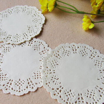 100pcs /set of 3.5 inches round lace paper White Round Lace Paper Doilies Hollow Out Pad for feastival decoration AE03324