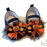 Halloween Baby Shoes, Pumpkin, Jack-o-lantern, Crib shoes, Baby Halloween costume