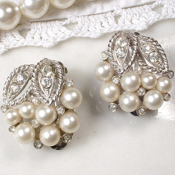 Vintage Ivory Pearl & Pave Rhinestone Art Deco Stud Earrings, 1920s Jewelry, Round Silver Leaves Clip Bridal Earrings, Woodland Wedding