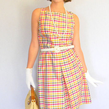 SALE Vintage Plaid Dress Size Medium Sundress Summer Dress 90s does 60s Multicolor Gingham Dress Mad Men Fashion Spring Easter Picnik Dress