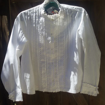 Antique 1900s Eyelet Lace Ruffled Blouse - French Handmade White Cotton Shirt - Cut out Lace Front Pliers - Long Sleeves Women Shirt Medium