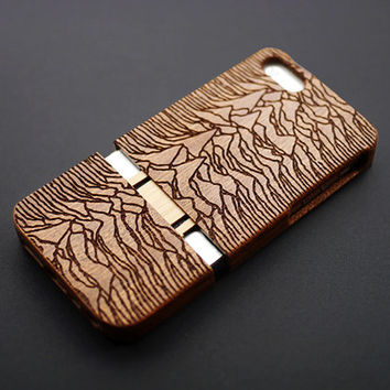 Mountain Totem Maghoany Wood iPhone 5s Case - Real Wood iPhone 5 Case - Custom iPhone 5s Case Wood - Wooden iPhone 5 Case - Christmas Gift