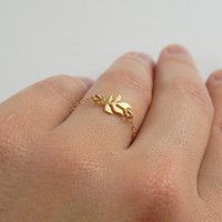 Dainty gold stackable leaf chain ring, lotus leaf, nature inspired jewelry, little leaves, lotus leaf