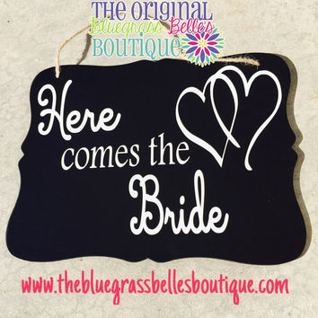 Here Comes the Bride sign - Wedding sign - Here Comes Your Bride sign - Shabby chic wedding sign