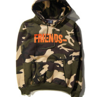 Autumn and winter new VLONE V - letter printing camouflage military men 's long - sleeved fleece sweater