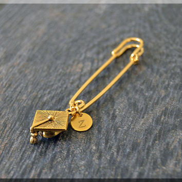 Gold Personalized Graduate Charm Kilt Pin, Initial Charm Scarf Pin, Graduation Brooch, Letter Grad Cap Pin, Personalize Safety Pin Brooch