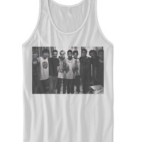1D & 5SOS GROUP PORTRAIT TANK TOP ONE DIRECTION CONCERT CELEBRITY SHIRTS INDIE BAND SHIRTS INDIE MUSIC COOL BANDS GIFT IDEAS FOR TEENS from CELEBRITY COTTON