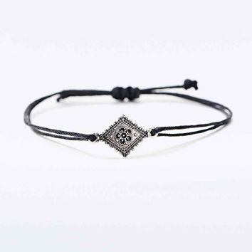 Fili Cord Friendship Bracelet in Silver - Urban Outfitters