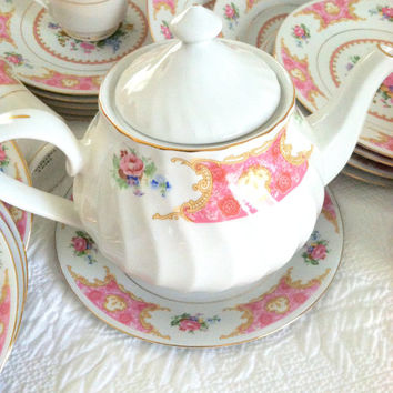 Vintage Truly Tasteful Fine China Tea Pot/Tea Party/Cottage Style
