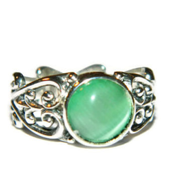 Green Cateye Ring, Size 7, Filigree Ring, Low Profile Ring, Middle Finger Ring
