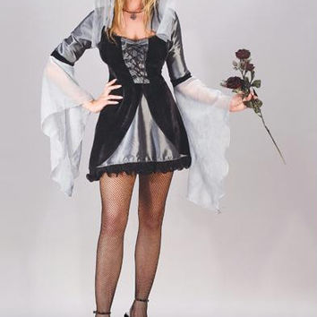 Women's Halloween Costume - Medium(2-8)