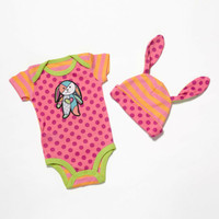 Enesco Romero Britto bebe Girl 6-12 Onesuit and Hat NWT 4037378