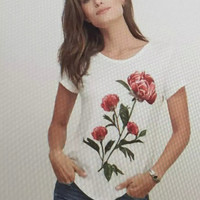 White  Rose Print Lace Patchwork T-shirt