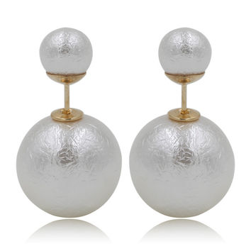 Gum Tee Mise en Style Tribal Earrings - Venetian Pearl White