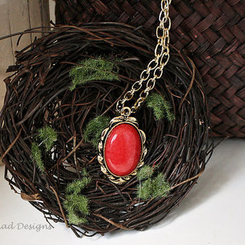 """Handmade Mountain """"Jade"""" Dyed Coral Pendant Necklace in an Vintage Look Antiqued Gold Setting on Gold Plated Chain"""