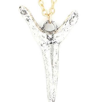Shark Tooth Necklace Gold Silver Tones Fang Pendant NQ24 Fashion Jewelry