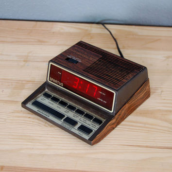 Vintage Alarm Clock / Spartus Talking / Digital / 1980's