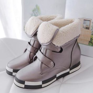 95059b2e9 New Round Toe Flat Plaid Print Velcro Fashion Ankle Boots