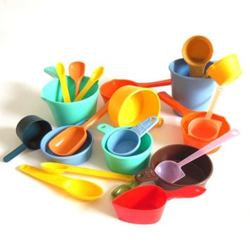 Plastic Measuring Cup Spoons Vintage Kitchen Food Photography Props
