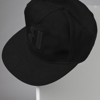 EMBROIDERED TONAL LOGO SNAP BACK HAT - Accessories