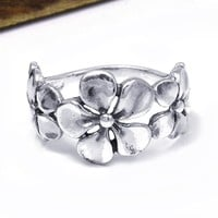 Hawaiian Style Triple Flower .925 Silver Ring (Thailand) | Overstock.com