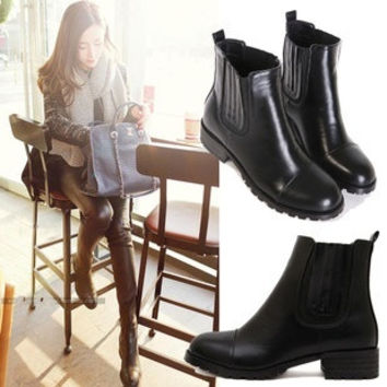 Choke a small pepper flat boots single boots with flat boots Martin boots female British student Spring Tide = 1753796676