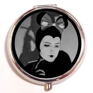 Art Deco Flapper Mouse Woman Smoking Kitsch Pill Box Pillbox Case Trinket Box Vitamin Holder