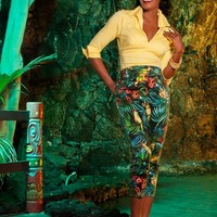 High-Waisted Cropped Trousers in Parrot Print