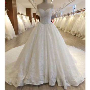 Leaf Lace Sequin Crystal Beaded Wedding Dress Luxury Royal Design New Cathedral Train Bridal Gown