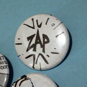 ZAP Recycled Comic Book Calvin And Hobbes Pinback Buttons