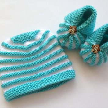Crochet Baby Booties  and Hat Newborn Shoes Knitted Booties Baby  Booties Infant Shoes White Baby Slippers