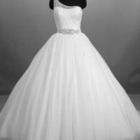 2012 2012 Style A-line Sweetheart Sleeveless Chapel Train Satin,Tulle Wedding Dress For Brides