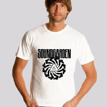 SOUNDGARDEN shirt Logo  Alternative Metal Roc  tee Band Art Music  shirt   S-2XL