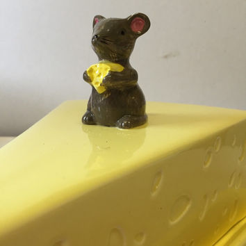 Cute kitsch mouse cheeseboard, china mouse cheese board, china mouse figurine, ceramic cheeseboard, porcelain cheeseboard, cheese lover gift