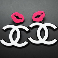 Chanel exaggerated atmosphere big mouth big earrings