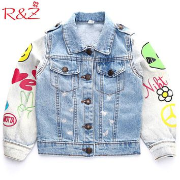 R&Z 2017 Autumn Newest Children Cowboy Jacket Graffiti Long Sleeve Fashion Badge Coat Wild Boy Girl Kids Clothing Denim Cardigan
