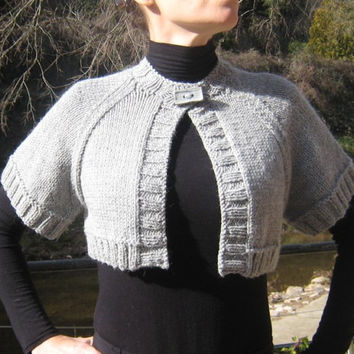 Oversize Shrug Bolero cropped Cardigan large sleeves wool alpaca gothic steampunk victorian handknitted light grey pin up retro vintage