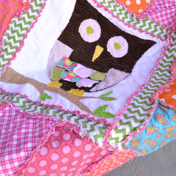 25% off Christmas Sale Owl RAG QUILT, Baby Girl Crib Blanket, Pink, Green, Turquoise, Orange, Vintage, Ready to Ship