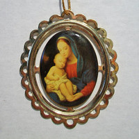Oval Madonna and Child Christmas Ornament Mary Baby Jesus Holiday Religious Home Decor