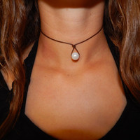 Leather Pearl Teardrop Choker Necklace