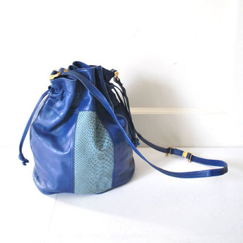 80s LEATHER bucket bag / vintage 1980s electric blue SNAKESKIN slouchy HIPSTER drawstring purse