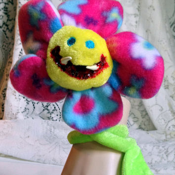 Monster Flower, Creepy Toy, Biting Creature, Halloween Prop, Altered Toy, Bloody Grin, Spooky Decor, Creepy Doll