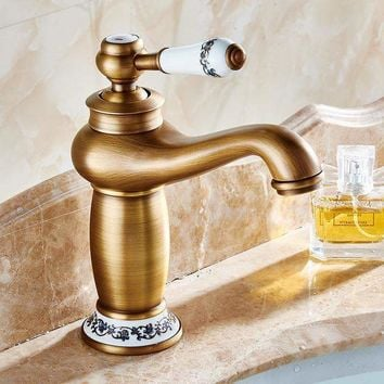 Bathroom Basin Faucet Antique Bronze Finish Brass Sink Faucet Single Handle Vessel Sink Water