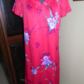 Vintage Hilo Hattie Hot Pink Hawaiian Muumuu Slip On Dress Size Medium