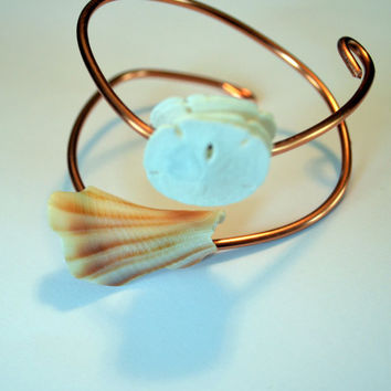 Seashell With Sand Dollars 10mm Wire Wrapped Bracelet