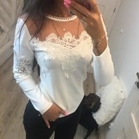Women T-Shirts Tops Sexy Mesh Round Neck T-Shirt Long Sleeve Lace Patchwork Hollow Out T Shirts WS4756R