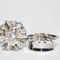 """White Snowflake Style Crystal Cluster Plugs 1 1/8""""  28mm"""